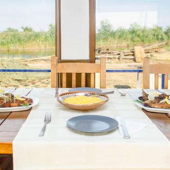 Peste prajit cu mamaliga - Jurilovca